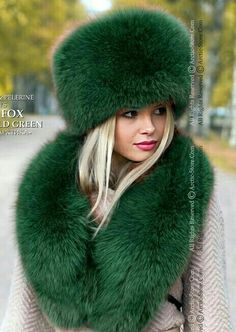 Details about Emerald Green winter hat & collar. Premium quality brand fox fur accessories – Most Beautiful Fur Models Green Fur, Green Hats, Fur Fashion, Winter Fashion, Russian Hat, Look 2018, Fur Clothing, Woman Clothing, Fur Accessories