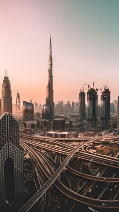 Wallpaper For Mobile Love Trick Cityscape Wallpaper, City Wallpaper, Dubai Skyline, Paris Skyline, 4k Wallpaper For Mobile, Iphone Wallpaper, Aesthetic Photo, Aesthetic Pictures, Photographie New York