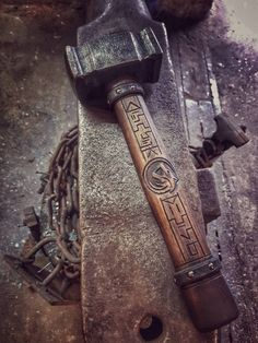 "Schmiedehammer ""The Cimmerian Wolf"" Wood Router, Router Woodworking, Wood Lathe, Cnc Router, Blacksmith Projects, Welding Projects, Woodworking Projects, Blacksmith Hammer, Blacksmithing Knives"