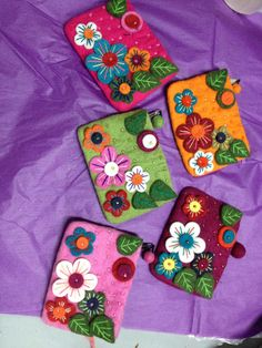 Beaded Flower Makeup Purse from #DGY