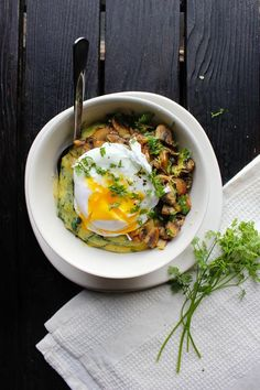 Perfect poached egg bowl with spinach polenta and crispy mushrooms. A great slow sunday brunch or easy weeknight meal. Serves 2.
