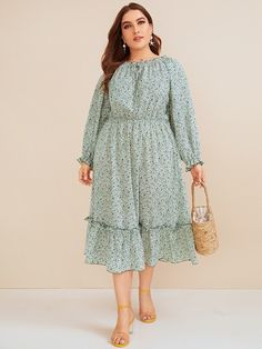 To find out about the Plus Ditsy Floral Frill Trim Dress at SHEIN, part of our latest Plus Size Dresses ready to shop online today! Plus Size Winter Outfits, Plus Size Fashion For Women, Plus Size Outfits, Modest Dresses, Plus Size Dresses, Girls Dresses, Pop Fashion, Fashion Outfits, Spring Fashion