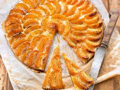 Découvrez la recette Tarte fondante aux abricots sur cuisineactuelle.fr.
