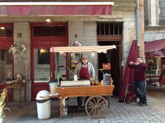 Crepe vendor in the old section of Lyon