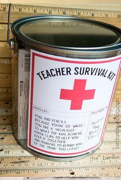 http://www.tempojunto.com/wp-content/uploads/2016/10/10-sugestoes-de-presentes-caseiros-para-o-dia-dos-professores-kit-de-sobrevivencia.jpg