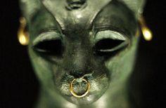 「猫を殺すと死刑。古代エジプトの動物に関する10の驚きの事実」の画像 : カラパイア