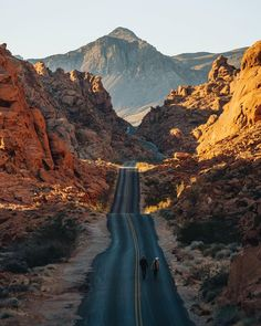 Valley of Fire State Park, Nevada A morning walk before the crowds overtook the park. . via @monascherie / Instagram