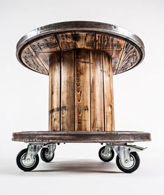 Creative Use of Recycled Pallet Cable Spools pallet cable spool recycled 6 Best Picture For wooden reel table wedding For Your Taste You are looking for something, and it is going to Wood Spool Tables, Cable Spool Tables, Wooden Cable Spools, Wire Spool, Cable Spool Ideas, Wooden Cable Reel, Cable Reel Table, Cable Drum, Deco Restaurant