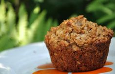 Ingrediente pentru 12 muffins 1 cana faina 1 cana fulgi de ovaz 2 lingurite scortisoara 2 lingurite praf de copt 1/2 lingurita bicar...
