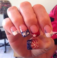 Celebrate Patriotic Day with these Nail Designs for the of July. Have fun browsing through this list of Fourth of July Nail Art ideas here. Fingernail Designs, Cute Nail Designs, Firework Nails, Patriotic Nails, Nagel Hacks, 4th Of July Nails, July 4th Nails Designs, Nagel Gel, Fancy Nails