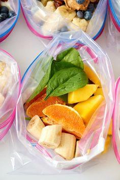 Make Ahead Smoothie Packs: Mango Orange Smoothie - Lunch Snacks Smoothie Packs, Smoothie Prep, Lunch Smoothie, Fruit Smoothie Recipes, Smoothie Bar, Drink Recipes, Make Ahead Smoothies, Make Ahead Lunches, Healthy Smoothies