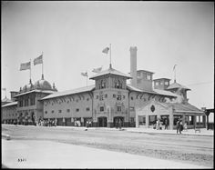 Redondo Beach, California, was incorporated on April 29, 1892, making it the oldest of the three beach cities. Check out these historical photos and postcards for a glimpse into bygone eras.