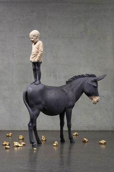 Les magnifiques sculptures en bois de l'artiste italienWilly Verginer qui sculpte des animaux et des corps humains avec beaucoup de réalisme et de précision