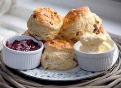 Claridge's scones: Recipes: Good Food Channel Cream Tea, Fish And Chips, Ma Baker, English Scones, British Scones, Cream Scones, Almond Flour Recipes, Good Food, Yummy Food