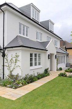 Exterior house cladding entrance 53 Ideas for 2019 Exterior Gray Paint, House Paint Exterior, Exterior House Colors, Bungalow Exterior, Grey Paint, Chelsea Gray, House Cladding, Facade House, House Facades