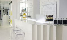 Norma Kamali's Wellness Cafe in New York City. #Wellness http://www.organicspamagazine.com/2011/09/from-fashion-to-food/#