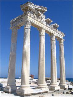 The Apollon Tapınağı in Antalya, Turkey  Apollon Temple Side