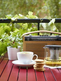 Pequeno almoço, rádio e sol. A combinação perfeita. :)