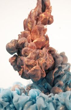 Stunning Photography of Metallic Ink Clouds by Albert Seveso 2 @ GenCept pic on Design You Trust Of Wallpaper, Wallpaper Backgrounds, Iphone Wallpaper, Smoke Wallpaper, Water Photography, Stunning Photography, Abstract Photography, Ink In Water, Smoke Art