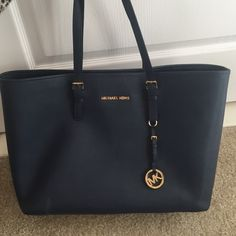 MICHAEL Michael Kors 'Medium' Multifunction Tote Navy. Like new condition. Michael Kors Bags Totes