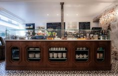 twin passions of healthy food and good restaurants come together in Paris at Café Pinson — Paris Restaurant Bio, Veggie Restaurant, Restaurant Paris, Paris Restaurants, Restaurant Design, Restaurant Interiors, Paris Cafe, Paris Paris, Paris France