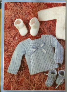 Baby Sweater Knitting Pattern, Baby Knitting Patterns, Baby Patterns, Brei Baby, Tricot Baby, Baby Barn, Knit Basket, Crochet Baby Clothes, Baby Cardigan