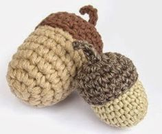 Click here for the free acorn crochet pattern