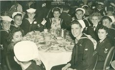 Passover seder hosted by the Jewish Welfare Board and the local Jewish War Veterans , Mayflower Hotel, 1946