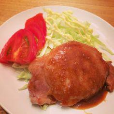 新妻ごはん。: トンテキ・納豆チーズの油揚げ包み焼き・もやしとワカメと舞茸サラダ