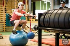 Nino Shurter training program in the gym revolves an all out thirty minute suffer fest that focuses on nine exercises - three for your arms, three for your core, and three for legs. In between you have 20 second intervals that blend rest with coordination drills. Gnarly.