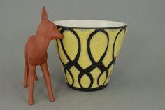Seltener Vintage Blumentopf / Übertopf / gelb | West German Pottery | 60er von ShabbRockRepublic auf Etsy