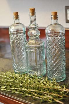 Rosemary olive oil- - I always keep a bottle on hand in addition to my regular olive oil. Olive Oil And Vinegar, Olive Oil Bottles, Dinner Entrees, Homemade Gifts, Teacher Gifts, Olive Oils, Gift Ideas, School, Food