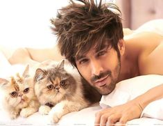 Heartthrob Kartik Aaryan's debut on Dabboo Ratnani's calendar is proving to be one helluva sight. That smouldering look is… Handsome Actors, Cute Actors, Handsome Boys, Bollywood Stars, Bollywood News, Bollywood Actress, Bollywood Masala, Indian Celebrities, Bollywood Celebrities