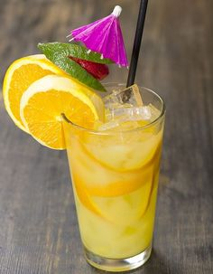 Recipe White and orange rum scorpion cocktail: Pour the rum, cognac, orange and lemon juice, and orgeat syrup in a shaker filled with … Cocktail Party Food, Cocktail Drinks, Alcoholic Drinks, Beverages, Mix Drinks, Party Drinks, Martini Recipes, Cocktail Recipes, Rainbow Cocktail