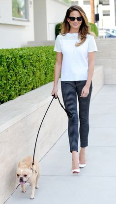 On Teigen: Tory Burch top (similar style here); Old Navy The Pixie Skinny-Ankle Pants ($33).