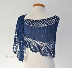 OSWIN Crochet shawl pattern PDF by BernioliesDesigns on Etsy I would buy every single one of her patterns. Crochet Shawls And Wraps, Knitted Shawls, Crochet Scarves, Crochet Clothes, Shawl Patterns, Knitting Patterns, Knitting Tutorials, Pdf Patterns, Crochet Free Patterns