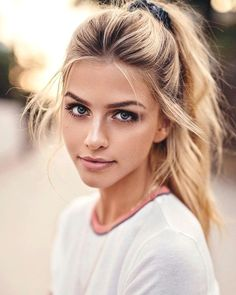 Shop our online store for blonde hair wigs for women.Blonde Wigs Lace Frontal Hair Blond Lace Front From Our Wigs Shops,Buy The Wig Now With Big Discount. Make Up Looks, Beauty Makeup, Hair Makeup, Hair Beauty, Eye Makeup, Witch Makeup, Clown Makeup, Costume Makeup, Hair Inspo