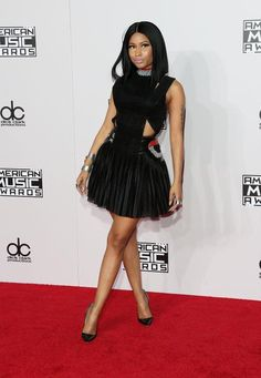 Veja o look dos famosos no tapete vermelho do American Music Awards 2014!