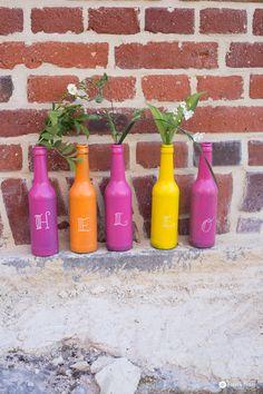DIY Flaschen Upcycling mit Tafellack - buntstattgrau - bunte Deko aus Altglas