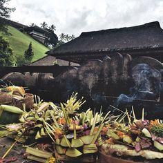 #Regram post to @pinterest Jiwa di hilir menyatu dalam kearifan ia mengalir dgn baik menuju pemahaman hidup #indonesianculture #temple #hindu #pray #kearifanlokal #bali by budi.ristanto - #ViralInNature is named by Clutch.co as Canadas Top Social Media Marketing Agency http://vnat.ca/TopSocialMediaAgencyCanada2016 Visit us at http://bit.ly/1seeN6z