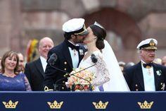 Pin for Later: Die 10 schönsten Momente der schwedischen Traumhochzeit Der leidenschaftliche Kuss