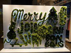 Les vitrines de Noël de Colette (Paris 1er)  http://www.pariscotejardin.fr/2012/12/les-vitrines-de-noel-de-colette-paris-1er/