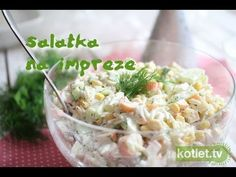Krabowa sałatka z makaronem na imprezę przepis | Kotlet.TV