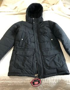 Like new with tags men's Columbia thermal cell jacket. Thermal Jacket, Snowy Weather, Columbia Jacket, Winter Jackets, Men, Fashion, Winter Coats, Moda, Winter Vest Outfits