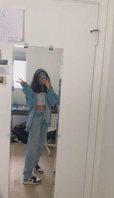 Boyfriend Jeans Damen, Baggy Jeans Damen, Mode Outfits, Fashion Outfits, Fashion Styles, Teen Fashion, Girl Outfits, Jordan Outfits Womens, Cute Sweatpants Outfit