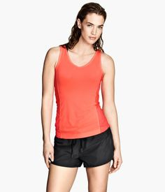 Comfortable and cute sports tank top. H&M #HMSPORT