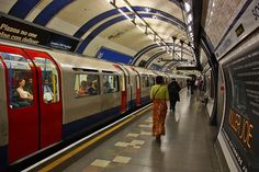 Metr̫ / The Tube One of the world's most visited areas London has an element for almost everyone: from history��_