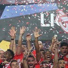 """27.6 m Gostos, 76 Comentários - Sport Lisboa e Benfica Oficial (@slbenfica) no Instagram: """"#Tetra36"""""""