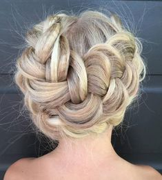 Top 60 All the Rage Looks with Long Box Braids - Hairstyles Trends Crimped Hair, Wavy Hair, Trending Hairstyles, Twist Hairstyles, Loose Chignon, Casual Updo, Messy Braids, French Twist Hair, How To Curl Your Hair