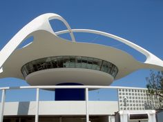 Free Things to Do in Los Angeles LAX Observation Deck Southern California Style, Places In California, California Dreamin', Los Angeles Events, Los Angeles County, Great Places, Places Ive Been, Beautiful Places, Historical Landmarks